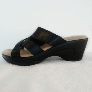 Bass wedge sandals black leather size 8